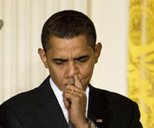 obama-picking-nose1-copy